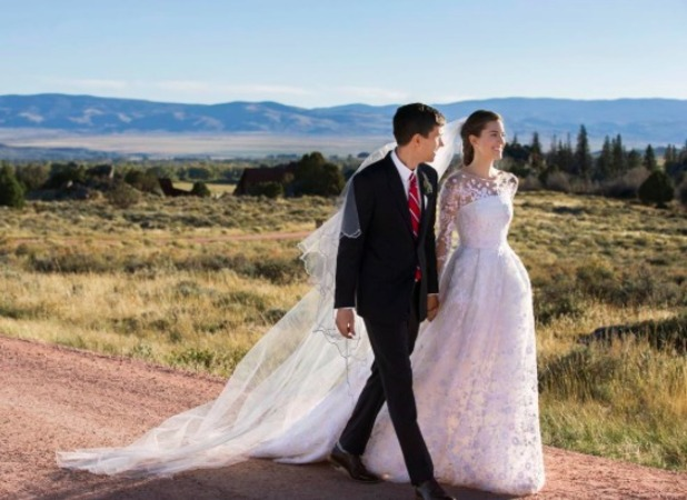 Alison Williams shares wedding picture, 20 September 2015.