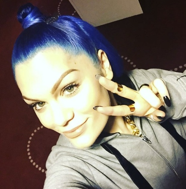 Jessie J shows off new electric blue hair in Iceland, 15 September 2015
