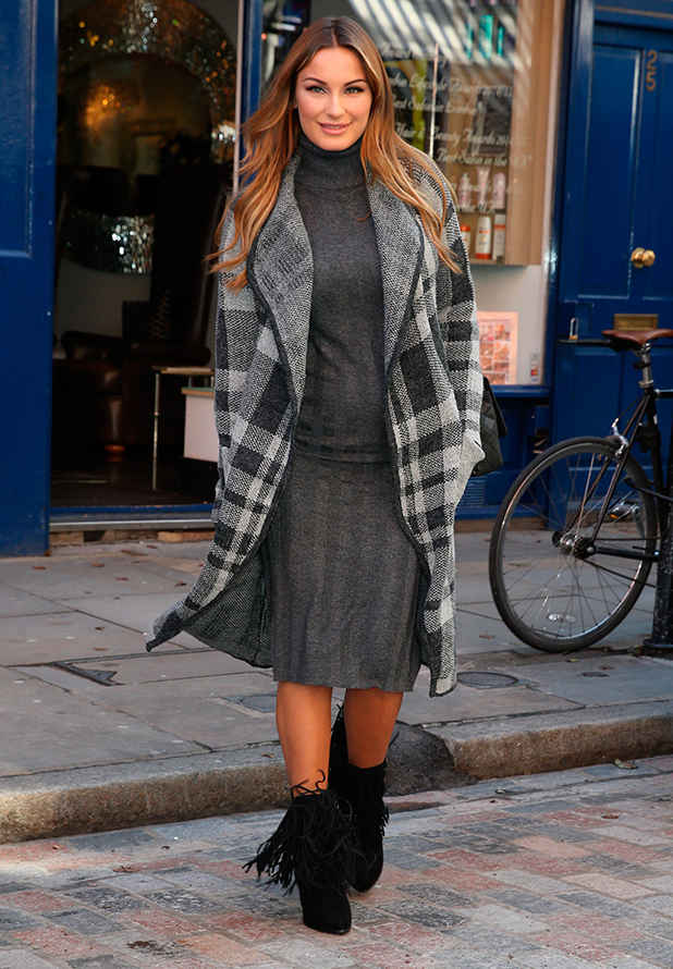 Sam Faiers out and about in London, Britain - 17 Sep 2015