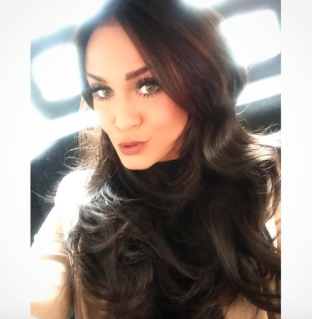 Vicky Pattison switches up her super-dark hair with soft ...