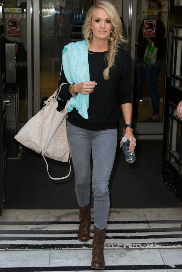 Carrie Underwood pictured arriving at the Radio 2 studio 23 Sep 2015