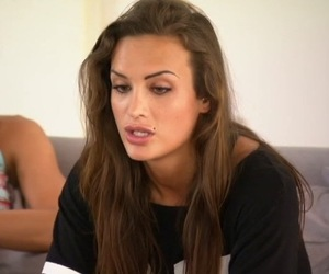 Ali Drew chooses to send home Vicky Pattison, Ex On The Beach 29 September