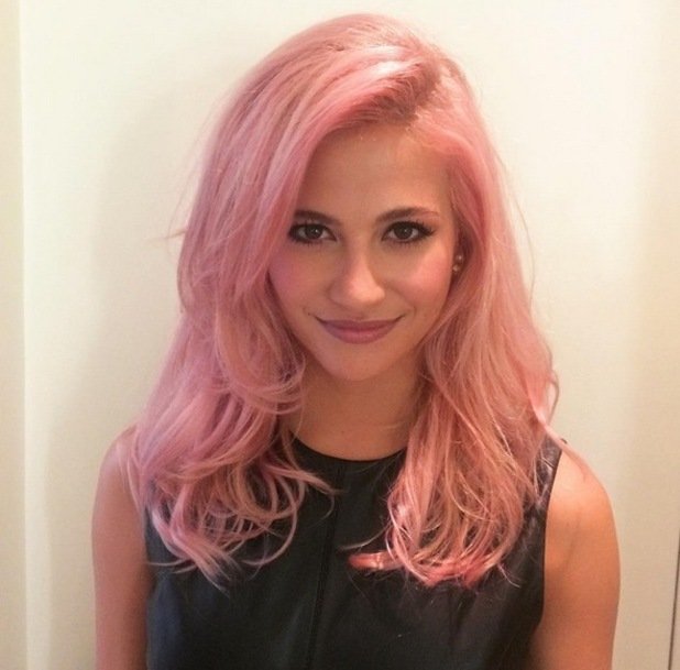 Pixie Lott dyes her hair pink 28 September