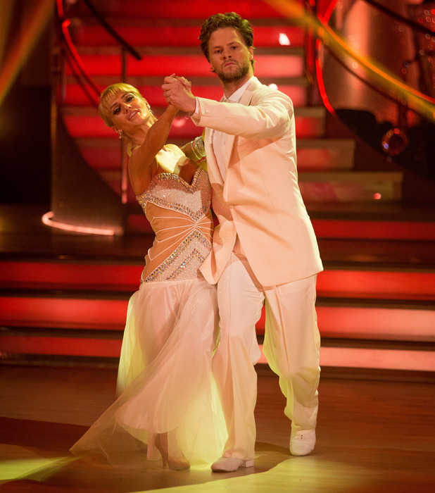 Aliona Vilani and Jay McGuiness perform on Strictly Come Dancing 2015 - 03/10/2015