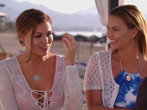 TOWIE's Jess confides in Ferne, Danni and Bobby about Pete!