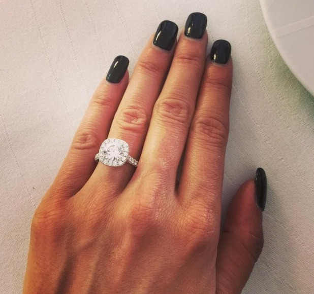 Rosa Mendes engagement ring 8 October