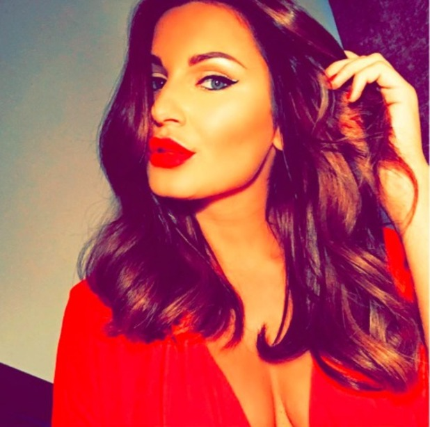 Sam Faiers shows off new hair, October 2015.