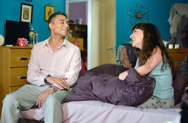 EastEnders, does Fatboy like Donna? Thu 15 Oct
