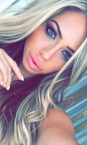 Holly Hagan selfie 18 October
