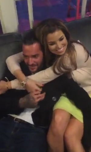 TOWIE's Pete and Jess look cosy as the cast take a break from filming - 25 October 2015.