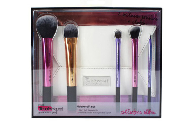 Real Techniques Deluxe Gift Set £29.99, 26th October 2015