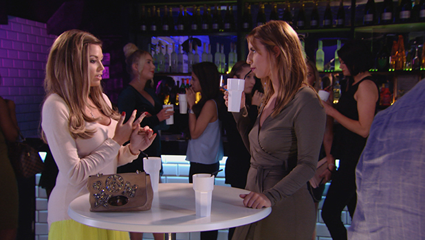 TOWIE episode to air 28 Oct 2015 Jess talks to Ferne about Pete