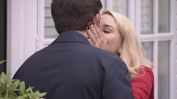 TOWIE: Lydia kisses Arg. Episode airs: Wednesday 4th November
