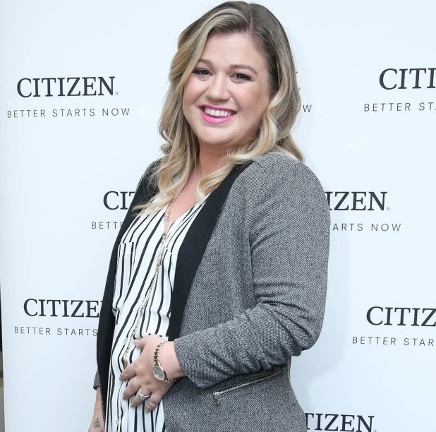 Kelly Clarkson attends Citizen Watch Company's New York Corporate Offices Grand Opening at Citizen Watch Company Corporate Offices on November 3, 2015 in New York City. (Photo by Rob Kim/Getty Images)