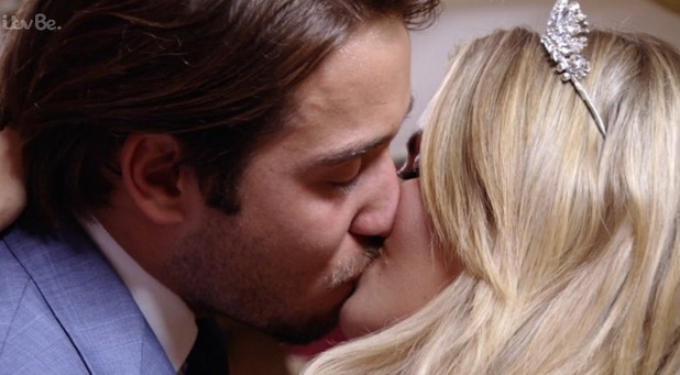 Danielle Armstrong and James 'Lockie' Lock kiss following heartfelt chat. TOWIE series finale - 11 November 2015.