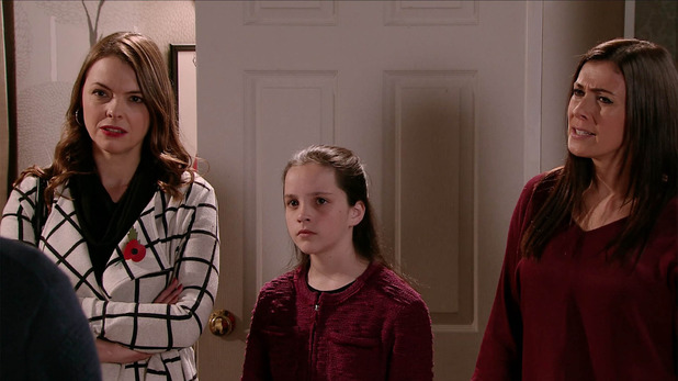 Corrie, Tracy, Amy, Michelle catch Liz out, Fri 13 Nov