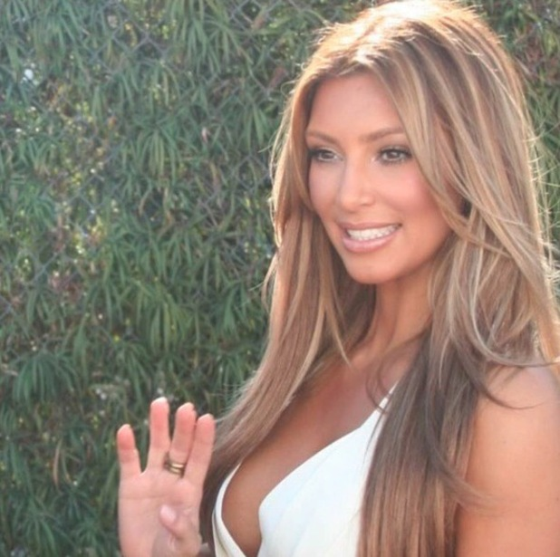 Kim Kardashian shares throeback pictures of her favourite hairstyles, bronde wabes 13th November 2015