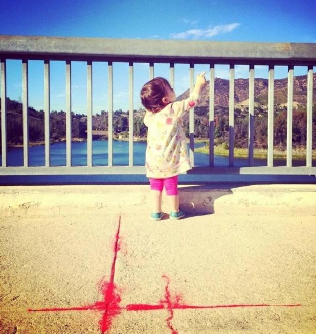 Ashton Kutcher shares photo of daughter Wyatt? 7 November