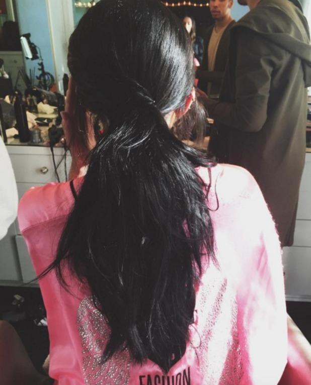 Kylie Jenner rocks messy ponytail by Jen Atkin for American Music Awards, 22 November 2015