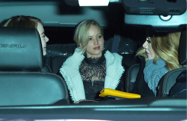 Adele, Jennifer Lawrence, and Emma Stone get dinner at Cosme Mexican restaurant in the Flatiron on November 23, 2015 in New York, New York. (Photo by Josiah Kamau/BuzzFoto via Getty Images)