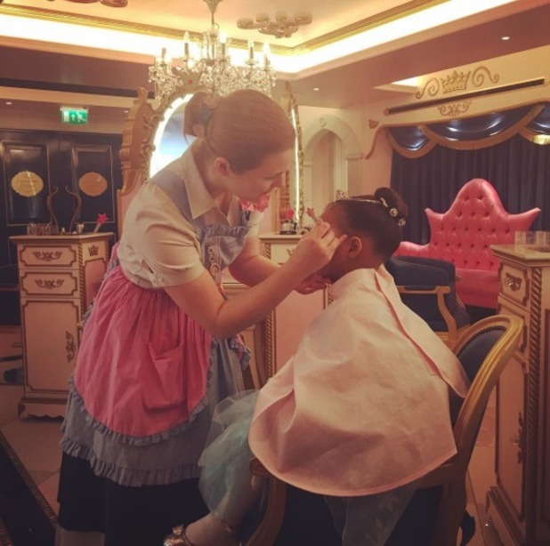 Rochelle Humes' daughter Alaia gets a Frozen makeover at Harrods - 3 Dec 2015