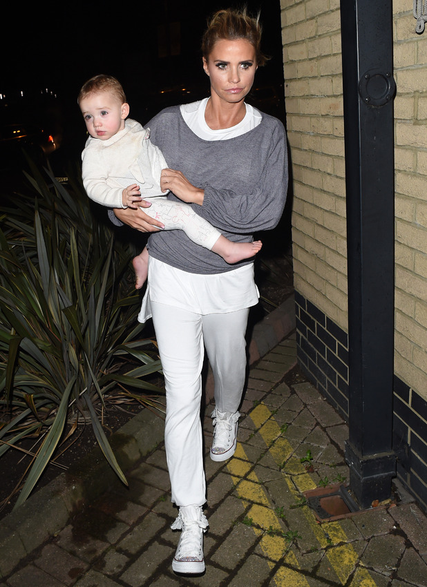 Katie Price and daughter Bunny leave the New Victoria Theatre after Katie's opening night performance in 'Sleeping Beauty', 11 December 2015.