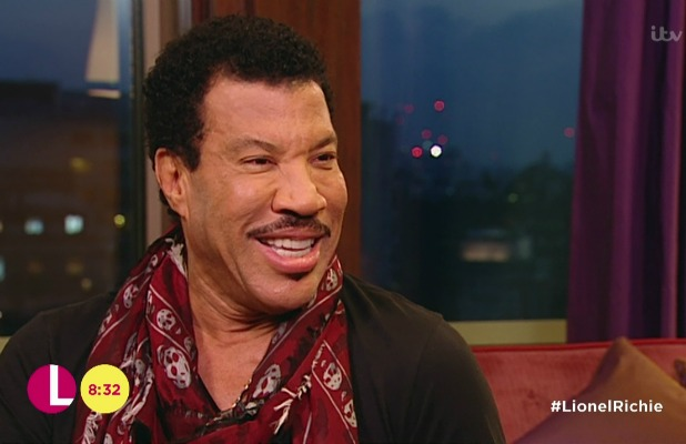 Lorraine Kelly interviews Lionel Richie for 'Lorraine' The singing superstar talks about his music and his grandchildren. Broadcast on ITV1 HD