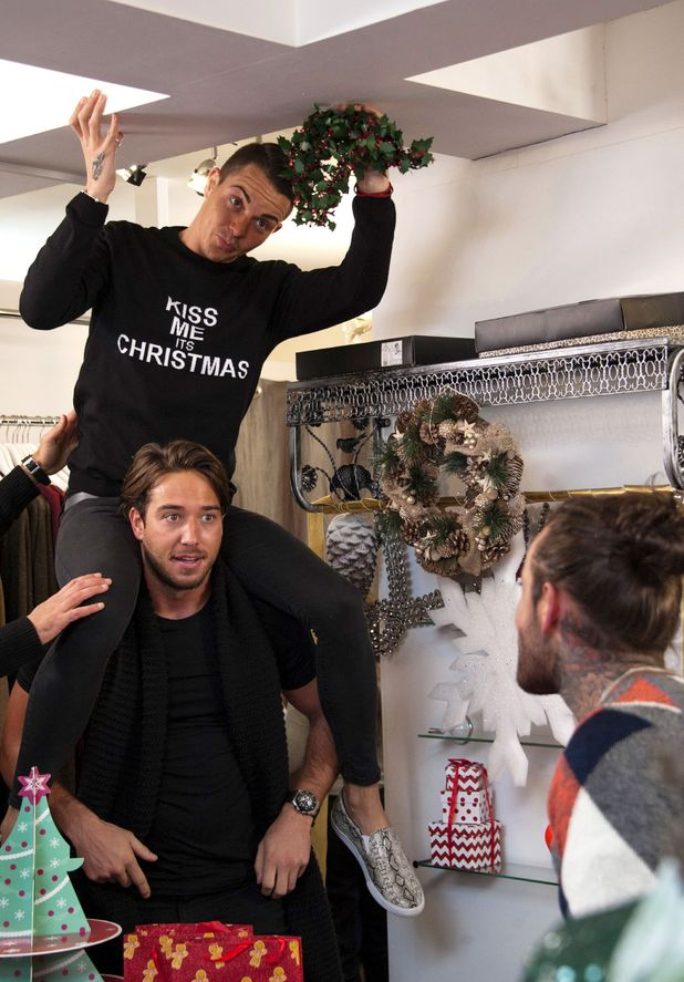 Bobby and Lockie help to decorate Gemma's shop - The Only Way is Essex Christmas special  24 Nov 2015