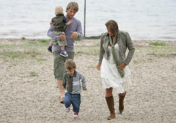 Jade Goody spends the day with Jeff Brazier and children Bobby Jack and Freddie at Kingsland beach, Mersea Essex, England - 02.06.06