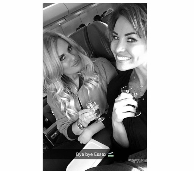 Jess Wright and Danielle Armstrong going on holiday from Danielle's Instagram, 28/12/15