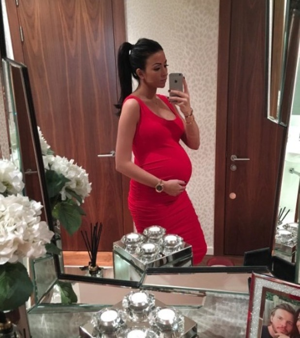 Cara Kilbey shares baby bump picture at 35 weeks, 31 Dec 2015