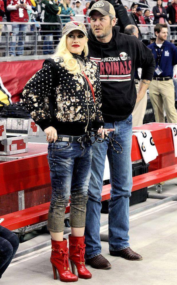 Gwen Stefani and Blake Shelton at Green Bay Packers v Arizona Cardinals football game. 27/12/15