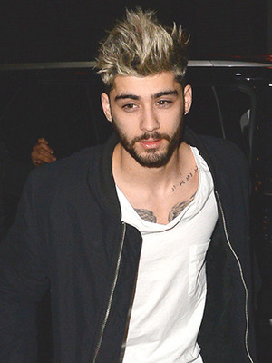 Singer Zayn Malik is seen walking in Soho on January 5, 2016 in New York City. (Photo by Raymond Hall/GC Images)