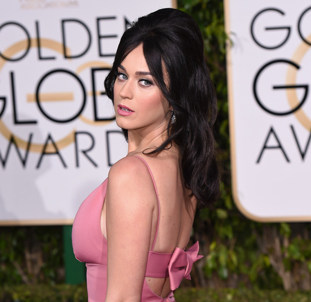 Golden Globes 2016 worst dresses compared to cake, mustard
