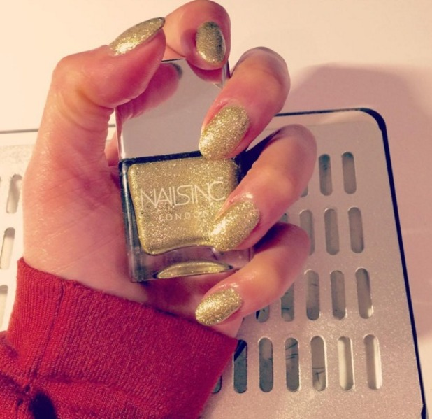Sarah-Jane Crawford reveals her gold, glittery Nails Inc nails ahead of E! Live From The Red Carpet at the 73rd Annual Golden Globe Awards, 11 January 2015