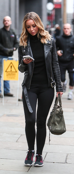 Former TOWIE star Lauren Pope spotted office hunting in head-to-toe black in East London, 21st January 2016