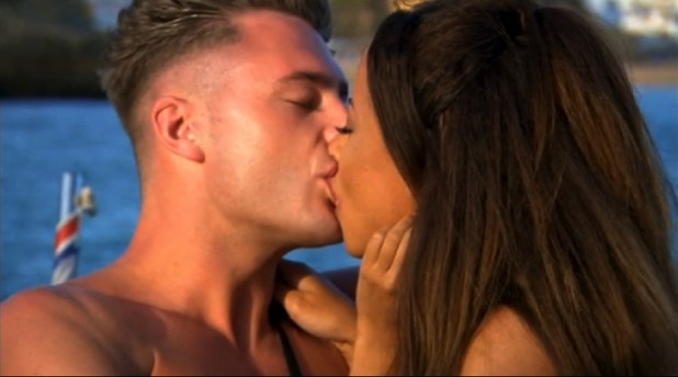 Scotty T and Olivia Walsh, Ex On The Beach 4, Episode 1 18 January