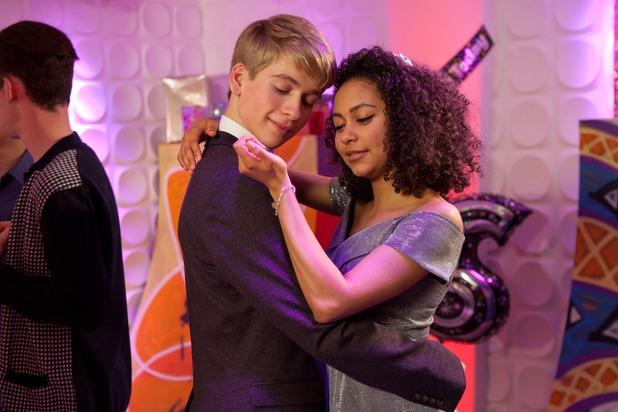 Hollyoaks, Jade and Alfie dance, tue 26 Jan