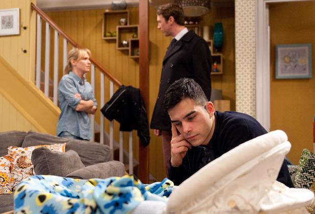 Emmerdale, Vanessa's ill, Kirin's left with the baby, Mon 8 Feb