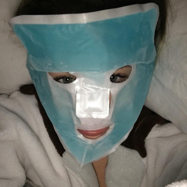 MIley Cyrus, crazy face mask selfie, 4 February 2016
