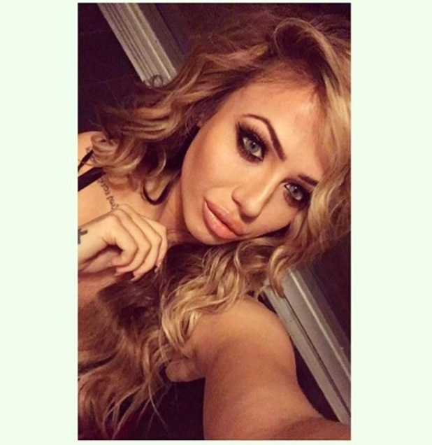 Holly Hagan, Geordie Shore shares make-up selfie with followers, 4th February 2016