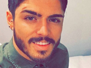 Sam Reece getting ready for Halo in Bournemouth, 8 February 2016