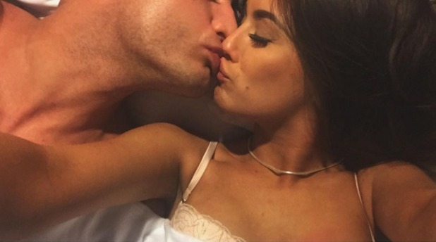 Scotty T and Francesca Toole kissing in bed December 2015
