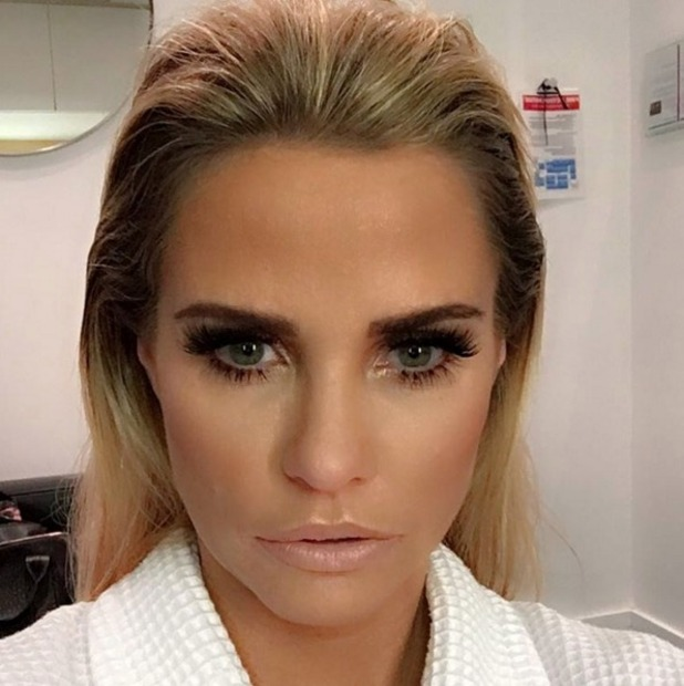 Katie Price slick, bouffant hair for Loose Women, 8 February 2016