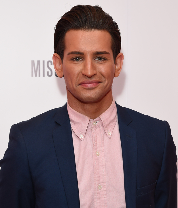 Ollie Locke attends E!'s Live From The Red Carpet Golden Globes Watch Along Party, London 10 January