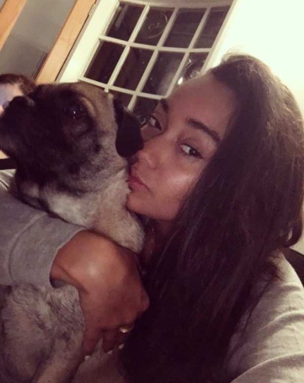 Leigh-Anne Pinnock shares no make-up selfie on Instagram, 8th February 2016