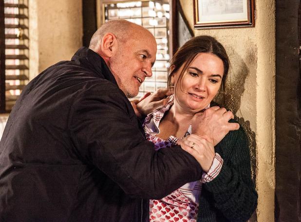 Corrie, Phelan threatens Anna, Mon 22 Feb