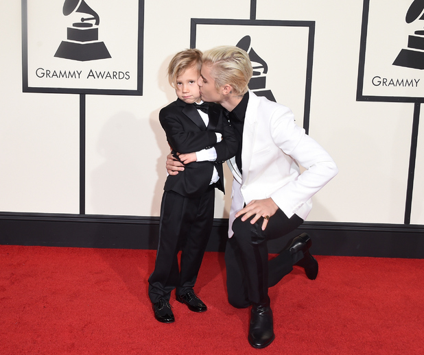 Justin Bieber (R) and Jaxon Bieber attend The 58th GRAMMY Awards at Staples Center on February 15, 2016 in Los Angeles, California.