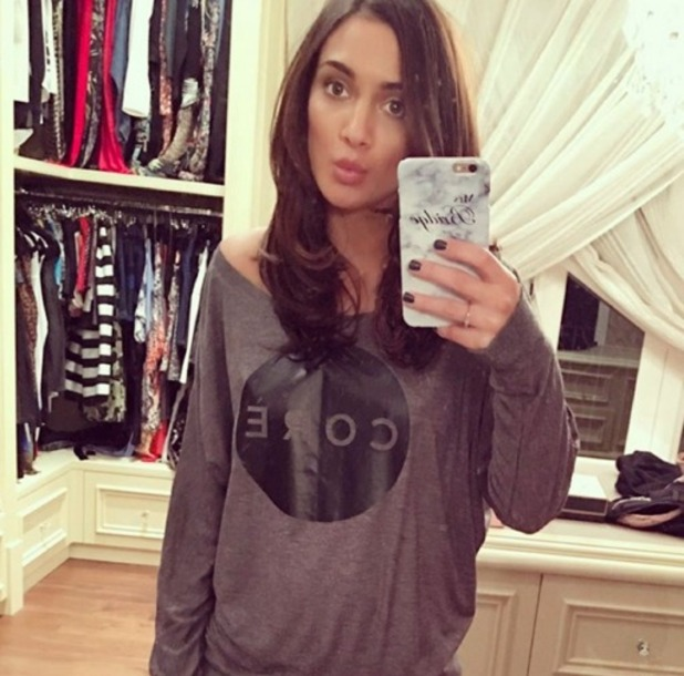Frankie Bridge shows long hair extensions before working out at Core Cobham in Surrey, 23 February 2016