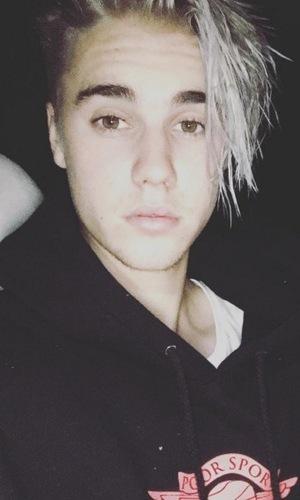 Justin Bieber silver hair January 2015